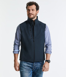 R141M Russell Gilet uomo softshell a tre strati con tasca frontale